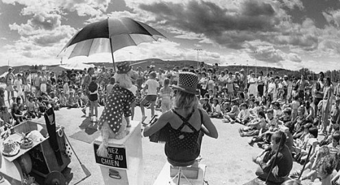 1983 LA FÊTE FORAINE. A gathering of street performers, it was inspired by the communal spirit of the 1960s. Photo: François Rivard