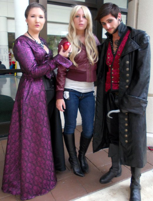 The finished product with some other Once Upon A Time cosplayers at Megacon 2015.
