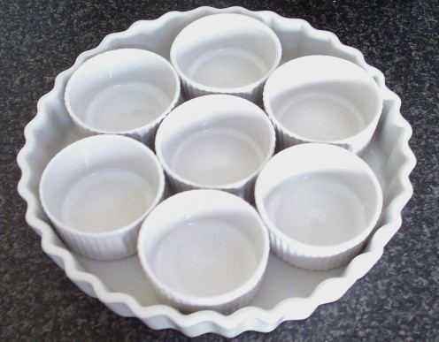 Ramekin platter for making jellied cod