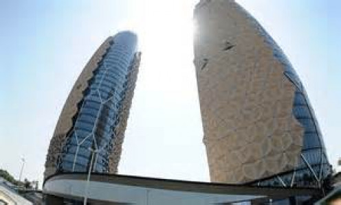 The Al Bahr Towers are an eco-friendly concept that aims to save energy by utilizing the power of sunlight.