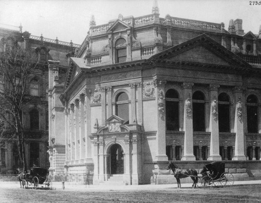The Bank of Montreal building, southwest corner of Yonge and Front Streets, Toronto, Ontario, 1890.