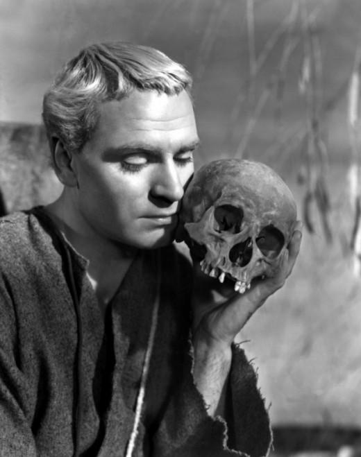 Proper actor Laurence Olivier in 'Hamlet', 1948
