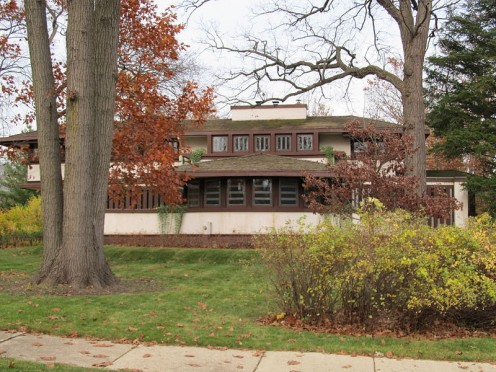 The Hiram Baldwin House in Kenilworth is on the National Register of Historic Place.
