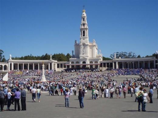 People in Fatima