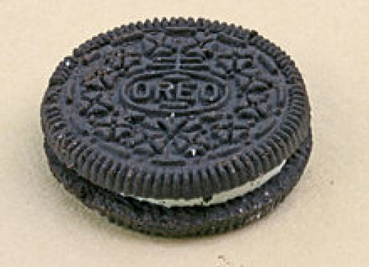 Yummy Nabisco Oreo cookie