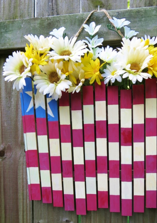 This patriotic flag makes a welcoming sign for Memorial Day, the 4th of July holiday, or any time of the year!