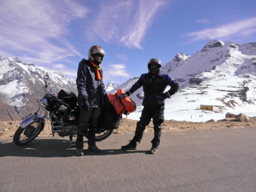 Bikers at Rohtand Pass