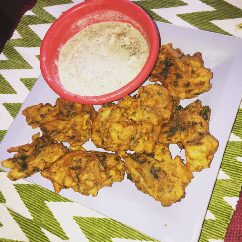 Spicy gram flour fritters with spinach and potato
