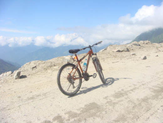 A cycle parked at Rohtang Pass
