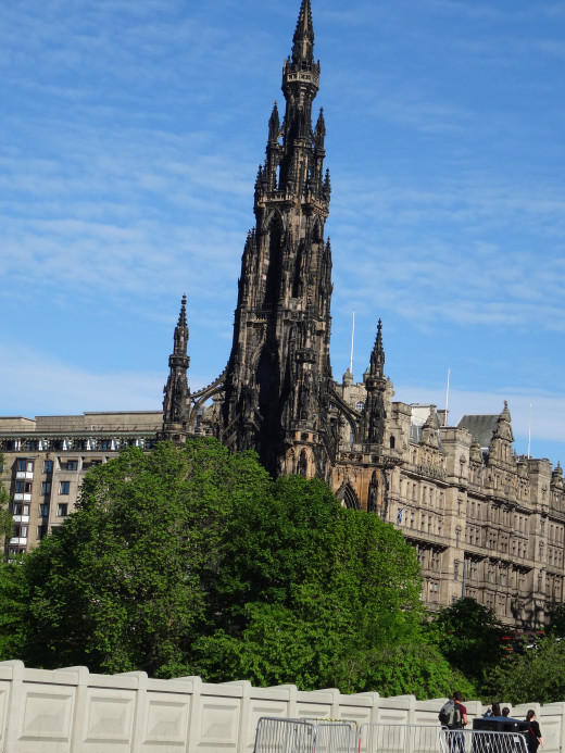 I have absolutely no idea what this Gothic monument is about, but it's on Princes Street.