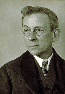 LEWIS WILKES HINE, SOCIOLOGIST AND INVESTIGATIVE PHOTOGRAPHER
