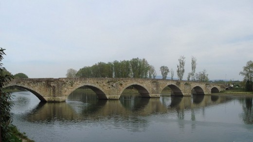 "The ""Ponte a Buriano"" upon the river Arno nearby Arezzo: some scholars have identified this medieval bridge as the one depicted in Mona Lisa"