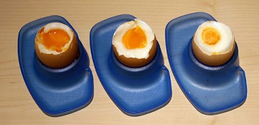 Boiled eggs, Soft boiled to hard boiled from left to right.