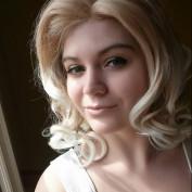Ellie Hakari profile image