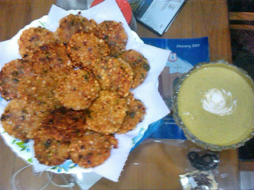 Sabudana Vadas served with Mint (Pudina) Chutney