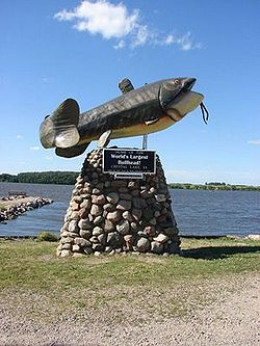 Bullhead fish statue