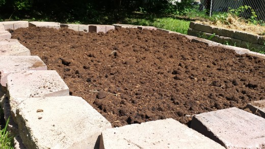 Landscape block raised bed