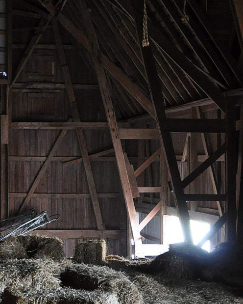 Here you can see the sliding doors and get at least a hint of the lower level of the barn.