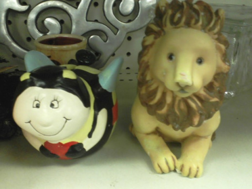 I like their faces. And the lion shall lie down with the . . .bee.