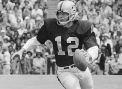 Why the NFL Hall of Fame needs to enshrine Kenny Stabler in 2016.
