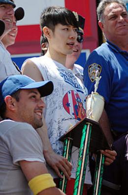 Takeru Kobayashi, winner of the Fox Network Glutton Bowl, 2002