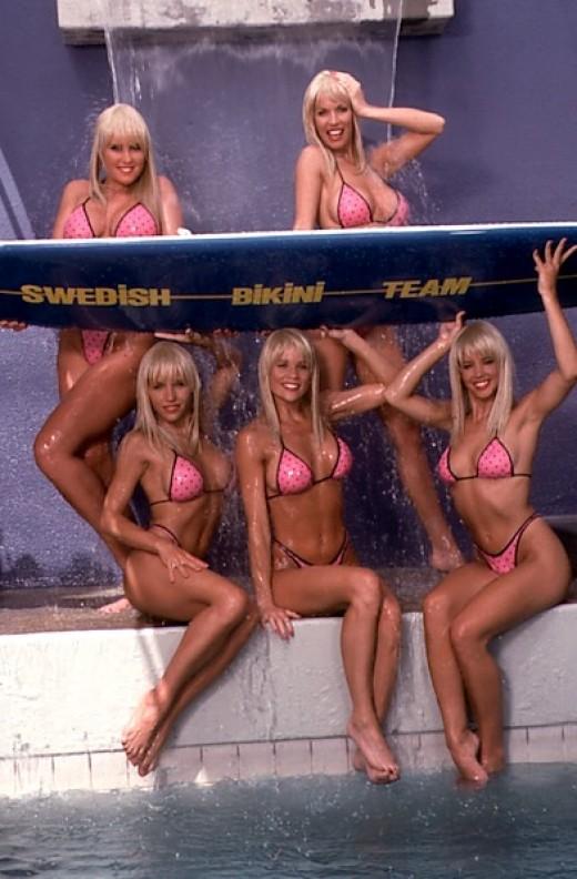 pink bikini. Click thumbnail to view full-size