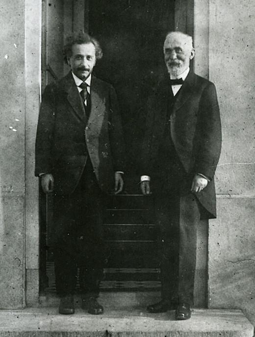 Einstein (left) and Lorentz in 1921