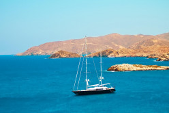 How to make money while cruising. Ways to earn money while sailing.