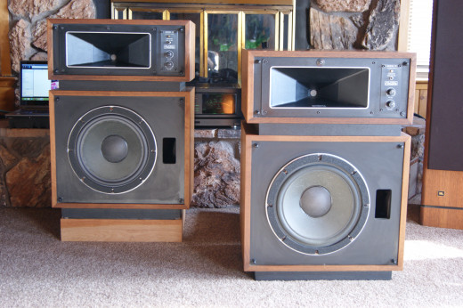 The Horns that started me on a Vintage Binge - Altec Lansing Model 14's - Full of surprises