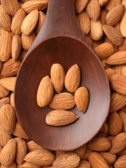 Amazing Health Benefits of Almonds, Almond Milk & Almond Oil