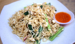 Egg Hakka Noodles - An Awesome Fried Noodles Recipe