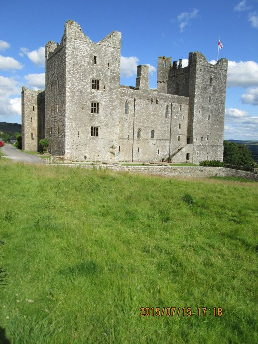 Bolton was owned by the Scrope family at the time Mary Stuart was imprisoned here in the 16th Century. Lord Scrope was chastised by Elizabeth when Mary escaped, to be recaptured on nearby Leyburn Shawl soon after when her servant sought directions