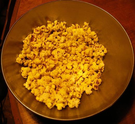 Popcorn seasoned withTumeric