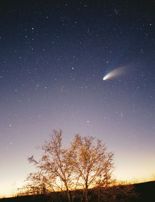 Comet Hale–Bopp was discovered on July 23, 1995 by Alan Hale and Thomas Bopp