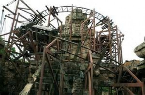 This mine train coaster reaches speeds of 36 MPH and has hills as steep as 59 feet.