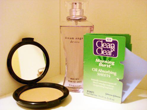 Summer Essentials: Pressed powder, a fragrant mist, oil-blotting sheets