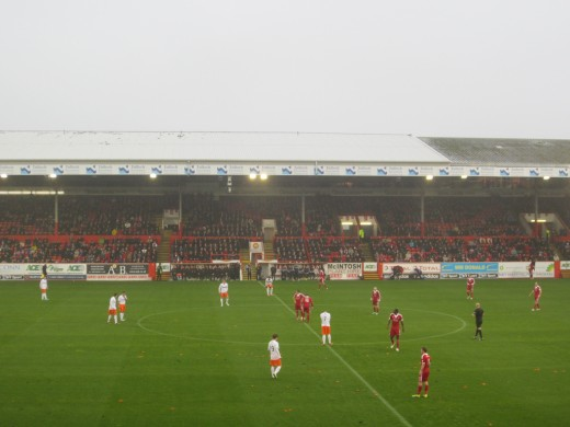 photo credit: Aberdeen v Dundee Utd (3) via photopin (license)