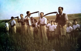 Members with scythes at harvest of the Omer.