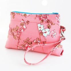 Buying A Wristlet Online