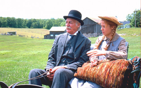 Anne and Mathew approach Green Gables.