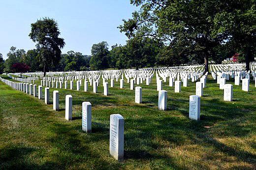 400,000 gravestones line Arlington National Cemetery.