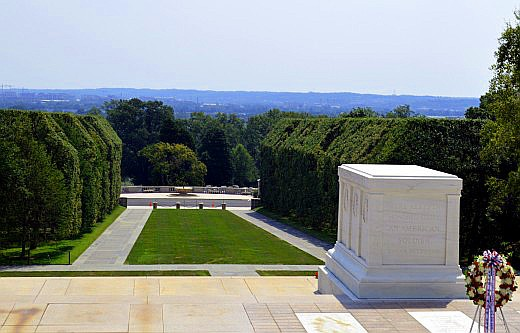 The Tomb of the Unknown Soldier overlooks the cemetery and Washington D.C. in the distance. © Scott Bateman