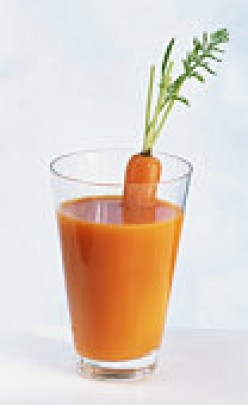 Delicious Carrot Juice with Turmeric and Ginger!