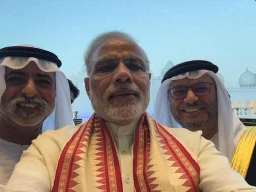 Modi with HH Sheikh Nahyan bin Mubarak Al Nahyan & HE Dr. Anwar Gargash at the Sheikh Zayed Grand Mosque