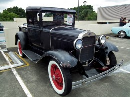 This is not the car you are looking for! This is a 1930 Model A, not the original 1903 version. Not mine, see source.