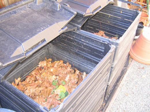 Plastic compost bin, long lasting
