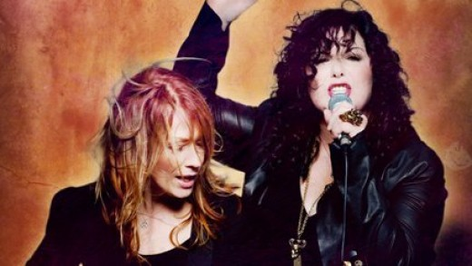 Left to Right: Nancy & Ann Wilson performing.
