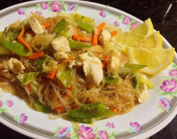 Fried Vermicelli Noodles with Vegetables and Soy sauce