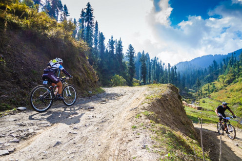 Set your goals high , and don't stop till you get there! #hastpa #heromtbhimalaya
