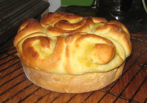 Brioche bread filled with apple sauce